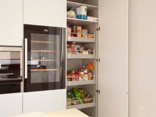 modern Kitchen by Eficema, móveis lda