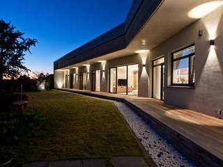 광주 서창동 1.4리터 패시브하우스 - 부모님집: (주)자림이앤씨건축사사무소의  패시브 하우스