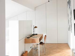 Bedroom by GANTZ - Regale und Einbauschränke nach Maß