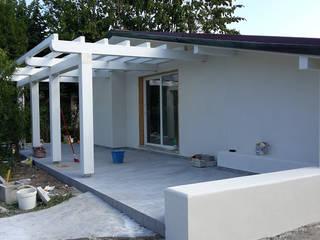 ristrutturazione casa vacanza di Della Bona & Fiorentini Studio di Architettura Minimalista