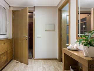 CCVO Design and Staging Corredores, halls e escadas modernos Bege