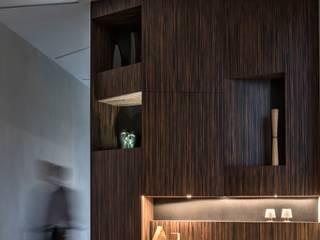 Pasillos, vestíbulos y escaleras de estilo moderno de Studio 4e Moderno