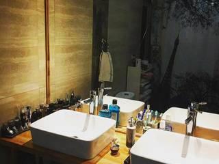 Baño principal: Baños de estilo  por casa rural