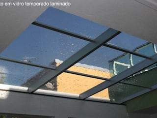 de Envidralux esquadrias e vidros Moderno