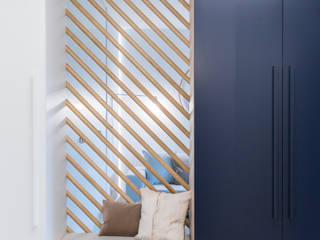 Couloir, entrée, escaliers minimalistes par formativ. indywidualne projekty wnętrz Minimaliste