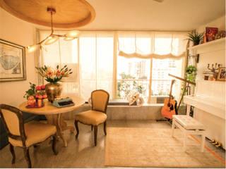 Jacqueline Fernandez Sea-facing Apartment - Lighting Modern dining room by Jainsons Emporio Modern