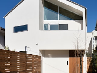 アトリエハコ建築設計事務所/atelier HAKO architects Modern Houses White