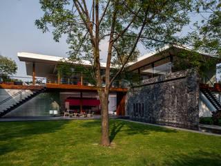 Fachada Interior Jardín de homify Moderno Piedra