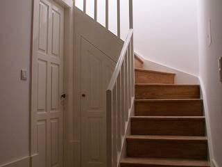 Escadas do puplex: Escadas  por José Melo Ferreira, Arquitecto