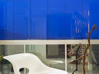 Salones de estilo moderno de Daniela Andrade Arquitetura Moderno