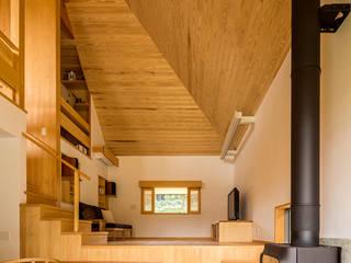 Ruang Keluarga by 中山大輔建築設計事務所/Nakayama Architects