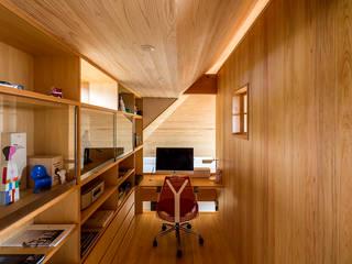 에클레틱 서재 / 사무실 by 中山大輔建築設計事務所/Nakayama Architects 에클레틱 (Eclectic)