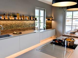 Modern style kitchen by Pomp & Friends - Interior Designer Modern