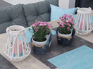 Country style balcony, porch & terrace by Pomp & Friends - Interior Designer Country