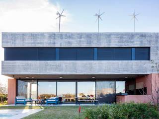 Casas familiares  por Speziale Linares arquitectos