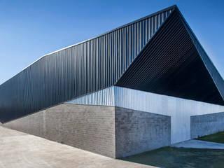 Pusat Eksibisi oleh Speziale Linares arquitectos, Industrial