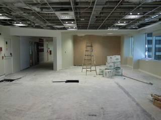 Oficinas de estilo  por Arq. SILVA RAFAEL C. & ASOC., Moderno