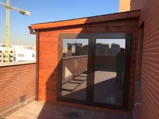 Habitación de madera: Dormitorios de estilo  de Grupo Dancu 2017 S.L