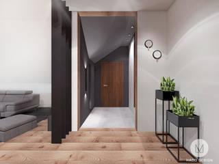 Minimalist corridor, hallway & stairs by MADO DESIGN Minimalist