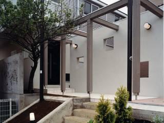 現代房屋設計點子、靈感 & 圖片 根據 (有)中尾英己建築設計事務所 現代風