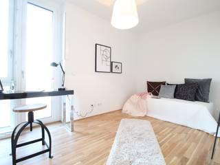 WOHNUNG IN DER HAMBURGER HAFENCITY Nicole Schütz Home Staging Moderne Arbeitszimmer