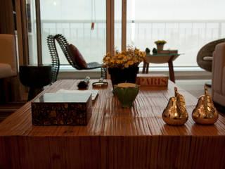 Salas de estilo moderno de okna arquitetura Moderno