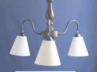 Lampara de techo de 3 luces LT2001: Hogar de estilo  por Hierro Arte Iluminación EIRL