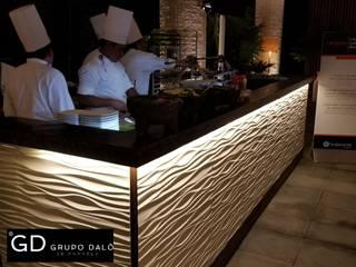 "PROYECTO HOTELERO ""THE GRAND MAYAN AT VIDANTA ACAPULCO"" Paredes y pisos de estilo moderno de GRUPO DALÒ PANELES DECORATIVOS EN 3D Moderno"