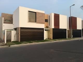 LA CELOSA: Casas unifamiliares de estilo  por Goytia Ingenieria