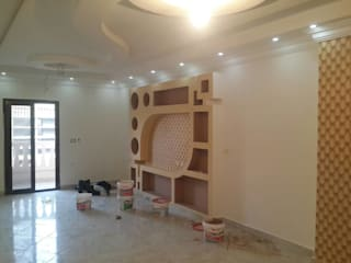 Dining room by Etihad Constructio & Decor
