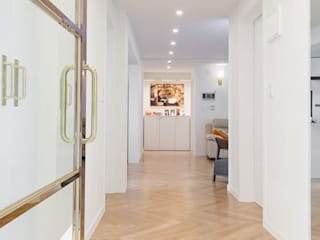 Corridor & hallway by 선데이프로젝트, Modern