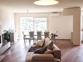 Villa a San Marino Soggiorno moderno di Giulia Ciacci Architetto & Interior designer Moderno