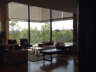 Automatización de motores de cortinas: Persianas de estilo  por EESP equipos electrónicos smart home