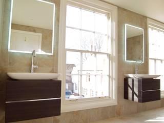 Exquisite Shower Room Baños de estilo moderno de DeVal Bathrooms Moderno