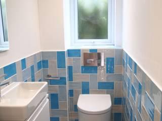 Funky Cloackroom Baños de estilo ecléctico de DeVal Bathrooms Ecléctico