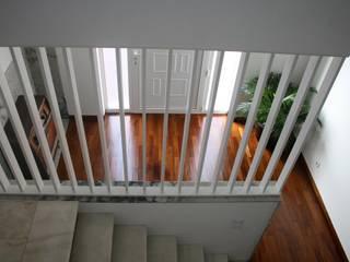 ENTRADA Corredores, halls e escadas minimalistas por Atelier OSO Minimalista