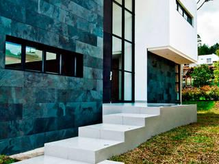 CASA - EL RETIRO ANTIOQUIA - Casas modernas de FR ARQUITECTURA S.A.S. Moderno