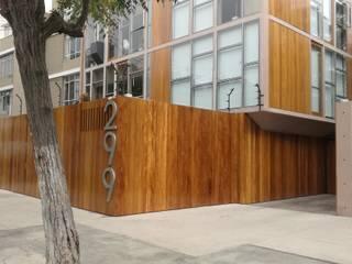 REVESTIMIENTO:  de estilo  por ROAN arquitectura & madera