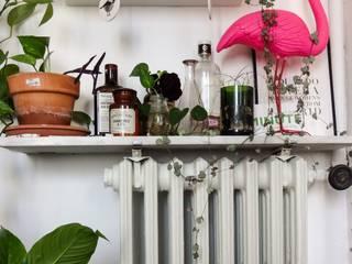 Un appartement à l'esprit vintage Salle de bain originale par Eclectiko Studio Éclectique