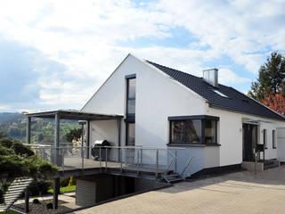 Umbau und Sanierung eines Einfamilienhauses:  Einfamilienhaus von Berghaus und Michalowicz GmbH