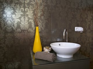 Apartamento T3 Anos 60 - MATOSINHOS: Casas de banho  por SHI Studio, Sheila Moura Azevedo Interior Design