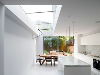 Light Kitchen: modern Kitchen by Architecture for London