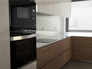 Yankı Mutfak Banyo – Ankara modern mutfak örnekleri efdelya: modern tarz , Modern