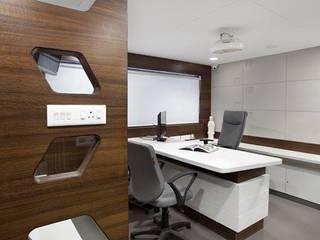 Interior :  Study/office by Skaav Luxury Interiors