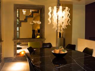 CASA DAS CALDEIRAS / AÇORES: Salas de jantar  por Carlos Mota- Arquitetura, Interiores e Design