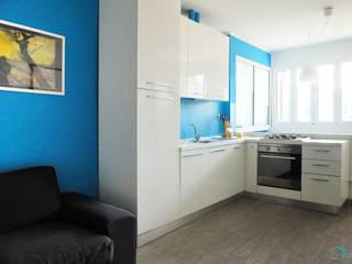 MARE: Cucina in stile  di Vale home design, Moderno