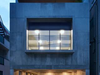 NA バレエスタジオのある二世帯住宅: 山縣洋建築設計事務所が手掛けた家です。