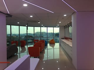 Interior Kantor Marketing FWD Life Indonesia Roemah Cantik Office spaces & stores Orange