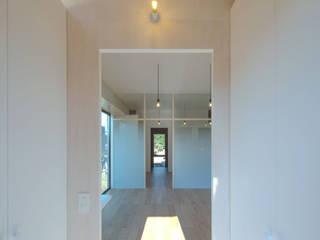 内観(玄関): アトリエキノコが手掛けた廊下 & 玄関です。