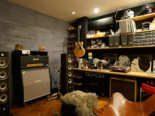 音楽室: H建築スタジオが手掛けた書斎です。,